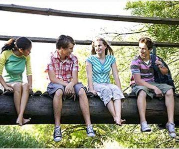 Kako vršnjaci utječu na vašeg tinejdžera?
