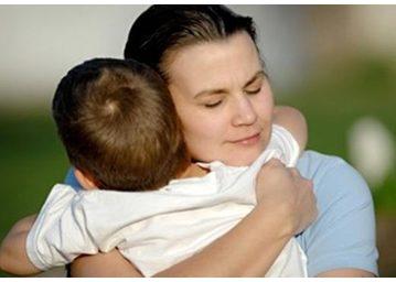 Zašto bi trebalo grliti djecu i onda kada se ponašaju loše?