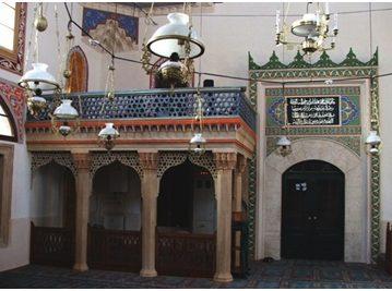 Molitveni prostor za žene u primjerima povijesnih džamija u tri balkanske države