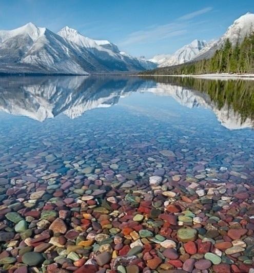Šareni kamenčići jezera McDonald