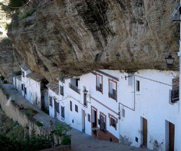 Setenil de las Bodegas – selo pod stijenom