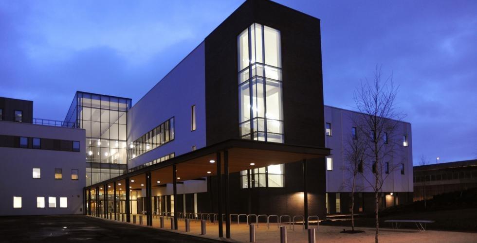 Arhitektura javnih zgrada – povratak simbola civilizacije