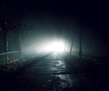 Kroz mrak svjetlu