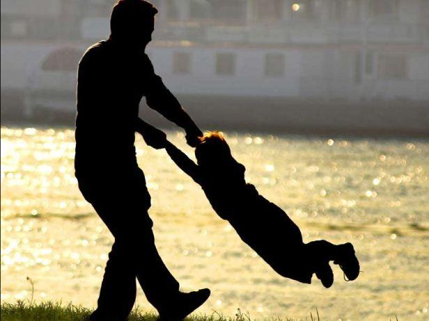 Odgaja li otac (2) – Šta o roditeljima govori nedostatak emocija