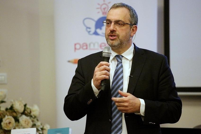 Ranko Rajović o izazovima odgoja: Djecu ne smijete pustiti na društvene mreže bez kontrole